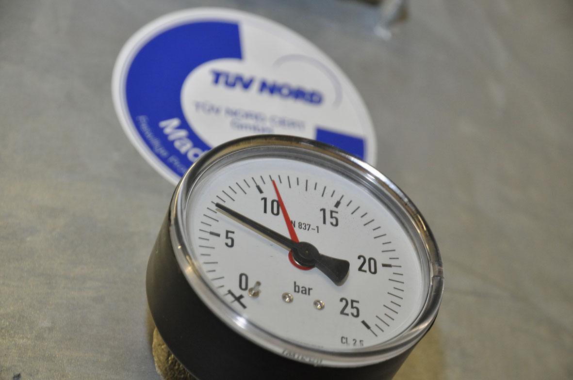 Wir machen Druck - Bürener Druckluft- und Reinigungstechnik